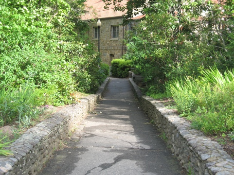 path to the dining hall