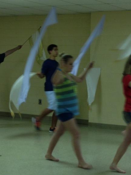 kids in dance class